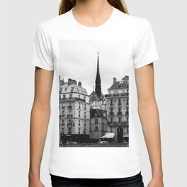 A View of Sainte Chapelle from the Right Bank of the Seine River, Paris, France T-shirt