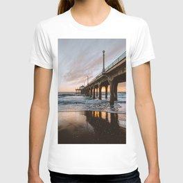 MANHATTAN BEACH PIER II T-shirt
