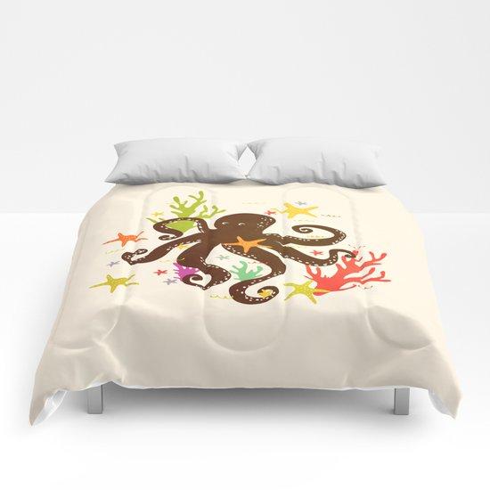 Friends around the sea Comforters