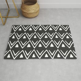 Etched Zig Zag Pattern in Black and White Rug