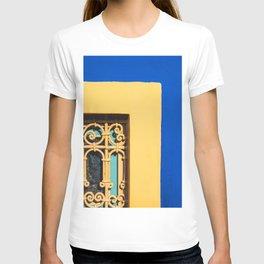 BROWN WOODEN DOOR WITH BRASS DOOR LEVER T-shirt