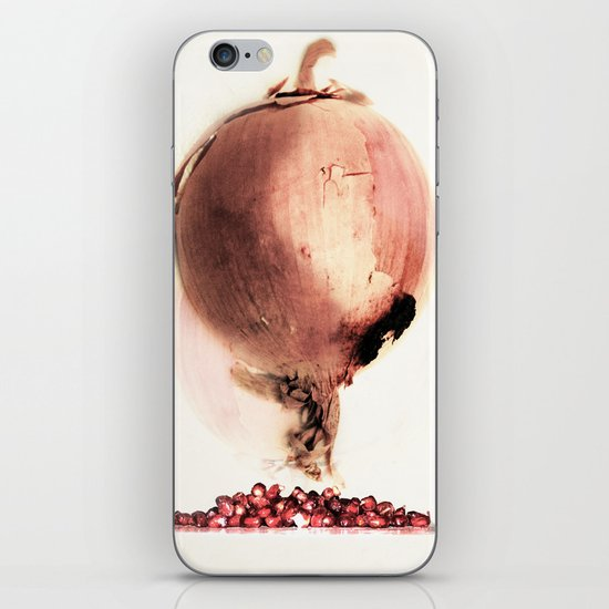 Onion story iPhone Skin