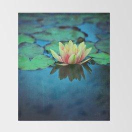 waterlily textures Throw Blanket