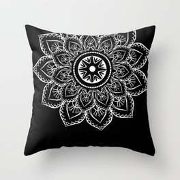 Dany Throw Pillow