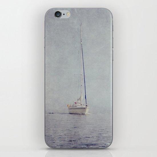 fog II iPhone & iPod Skin