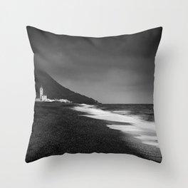 Salinas beach. BW Throw Pillow