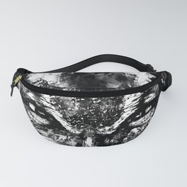 great horned owl bird close up wsbw Fanny Pack