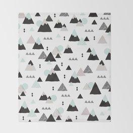 Geometric Fuji mountain japan travel pattern Throw Blanket