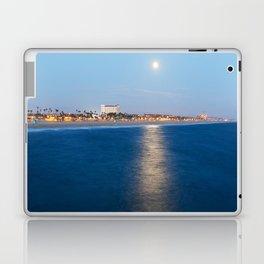 HB Blue Moon & the Hilton Waterfront Beach Resort Laptop & iPad Skin