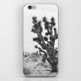 joshua tree bw iPhone Skin