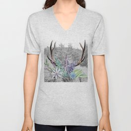 Floral Stag antlers b/w Unisex V-Neck