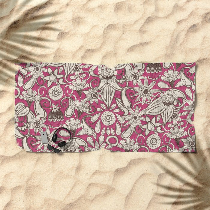 sarilmak pink brown Beach Towel
