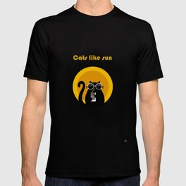 """Cats like sun"" by Qora & Shaï T-shirt"