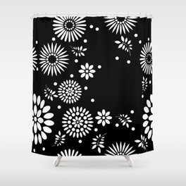 Black and white seamless floral pattern Shower Curtain