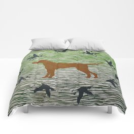 Hungarian vizsla dog with birds Comforters