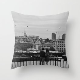 england is for lovers Throw Pillow