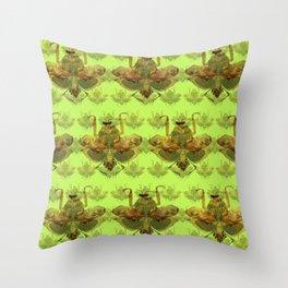 Giant Dead Leaf Mantis (Deroplatys desiccata) pattern Throw Pillow