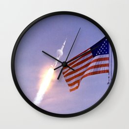 Nasa Picture 3: Apollo 11 Launcher and the flag of the USA Wall Clock