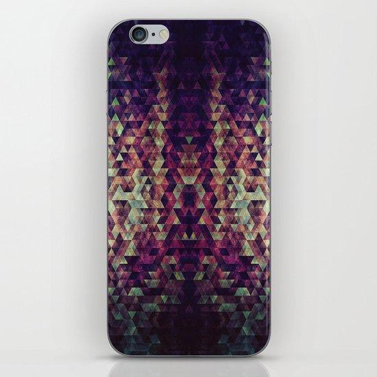 pyrtykll iPhone & iPod Skin