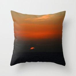 cloudy sunset seascape Throw Pillow