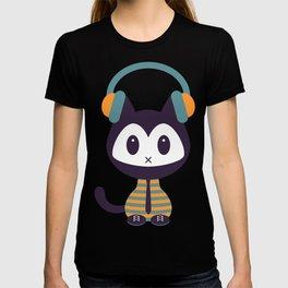 Cute kitten in headphones T-shirt