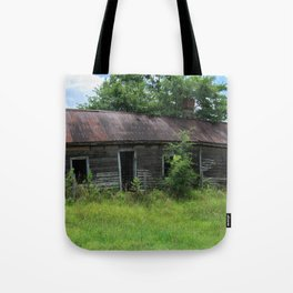 Abandoned Farmhouse front view Tote Bag