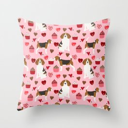 Beagle valentines day cupcakes heart love dog breed must have gifts Throw Pillow