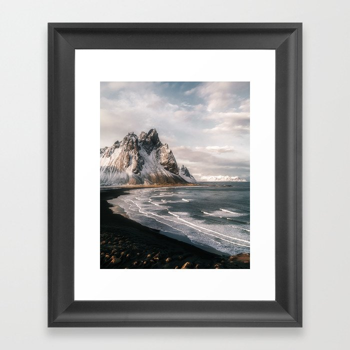 Stokksnes Icelandic Mountain Beach Sunset - Landscape Photography Gerahmter Kunstdruck