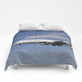 United Airlines Boeing 747 Comforters