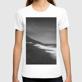 Salinas beach. BW T-shirt