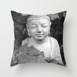 Buddha black and white photo, photographed village in Oberaudorf (Bavaria), 2013 Throw Pillow