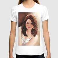 emma stone T-shirts featuring Emma Stone by Chanuka Hemachandra