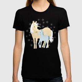 Unicorns. Mom and baby T-shirt