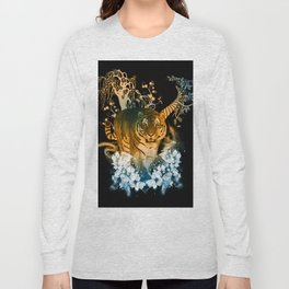 Beautiful tiger with flowers Long Sleeve T-shirt