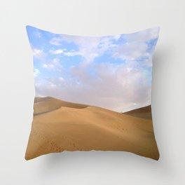 desert photography Throw Pillow