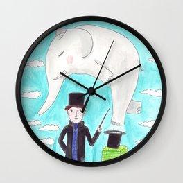 Der Zauberer und der Elefant Wall Clock