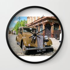 Vintage car and English Pub Wall Clock