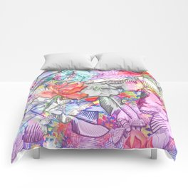 Rose buds and daydreams Comforters