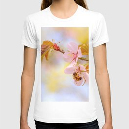 Honey bee on a sakura flower T-shirt
