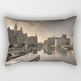 Gent winter dawn Rectangular Pillow