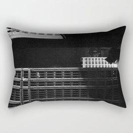 architecture immeuble noir blanc 4 Rectangular Pillow
