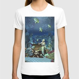 Wonderful mermaid with cute crab T-shirt