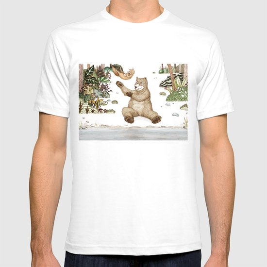 Mr.Brown is playing with the squirrel T-shirt