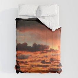 coucher du soleil Comforters