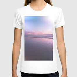 Manhattan Beach Sunset at Low Tide #bohovantravels #arlenecarley T-shirt