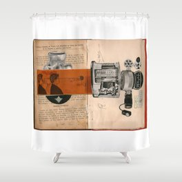 sesos huecos Shower Curtain