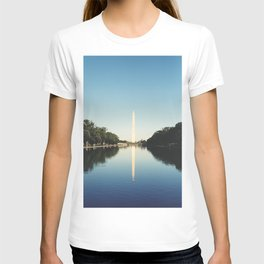 Washington monument in the reflecting pool T-shirt