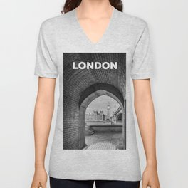 Big ben and bridge Unisex V-Neck