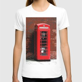 Red Phone Box- London England UK T-shirt
