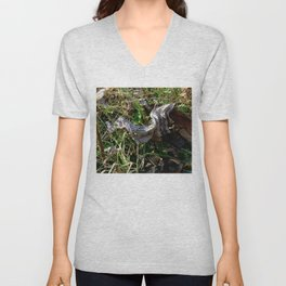 Nature Litter Unisex V-Neck